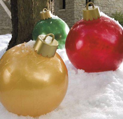 Addobbi Natalizi Giganti.Sfere Gonfiabili Giganti Di Natale Gonfiabili Pubblicitari Format